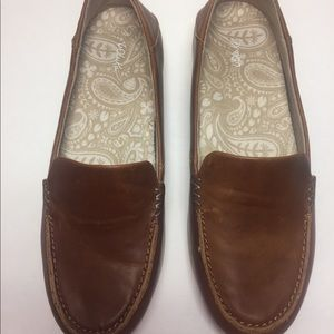 OluKai Kiele Brown Leather Slip-in Shoes. Brown